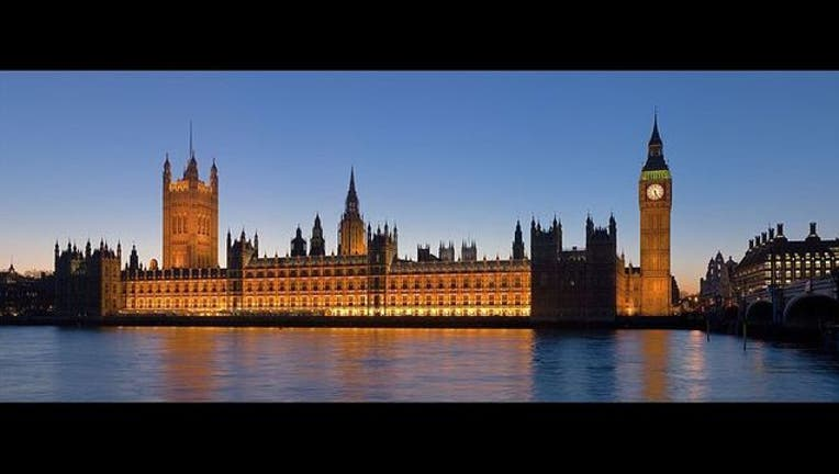 d1302cb3-Palace_of_Westminster,_London_-_Feb_2007_1498319469689.jpg