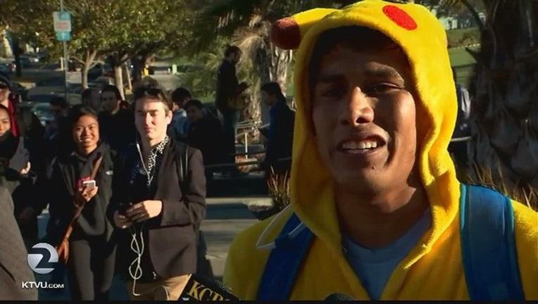Pokemon_Go_pub_crawl_takes_San_Francisco_0_20160721053802
