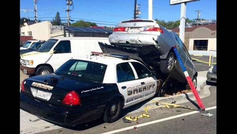 88efba6c-San_Mateo_crash_1461602787501.JPG
