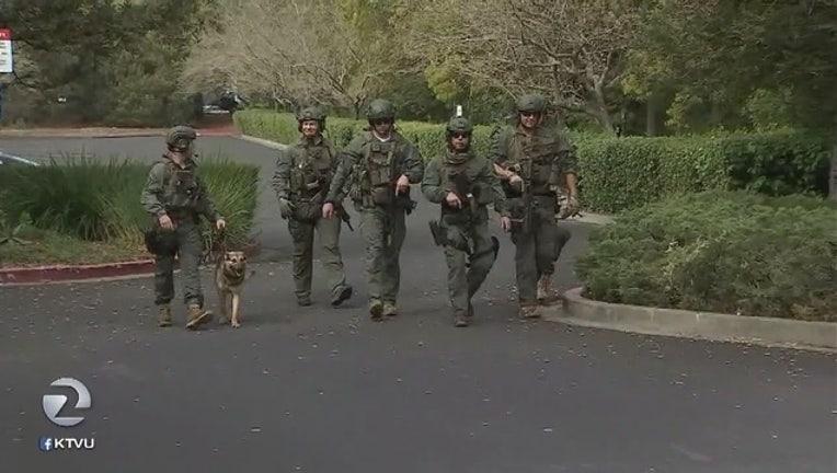 9b2b50f8-Search_for_armed_home_invasion_suspects__petaluma_1521478591393.jpg