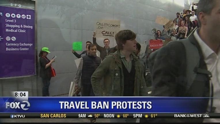 2bab9d6b-Travel_ban_protests_at_SFO_0_20170130161919