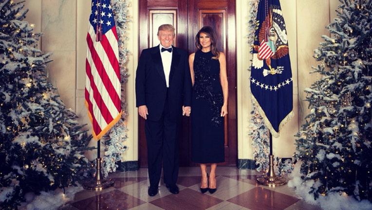 e9706b91-Trump Christmas Portrait 2_1513304165552-401720.jpg
