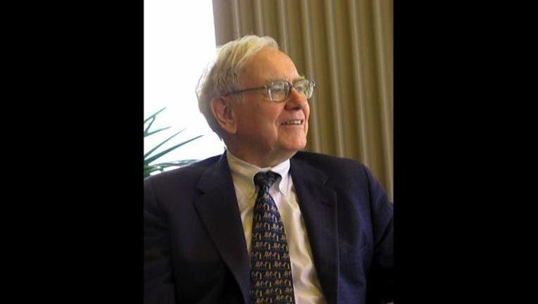 f68802cf-Warren_Buffett_KU_Visit_1497110384927.jpg