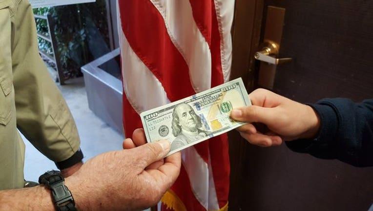 d9e198b7-cash_1521751081460.jpg