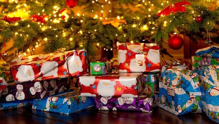 34988526-christmas-tree-1507274311uoN_1545224432201-408200.jpg