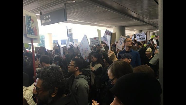 d44bebe7-immigrant protests_1486166074835.jpg