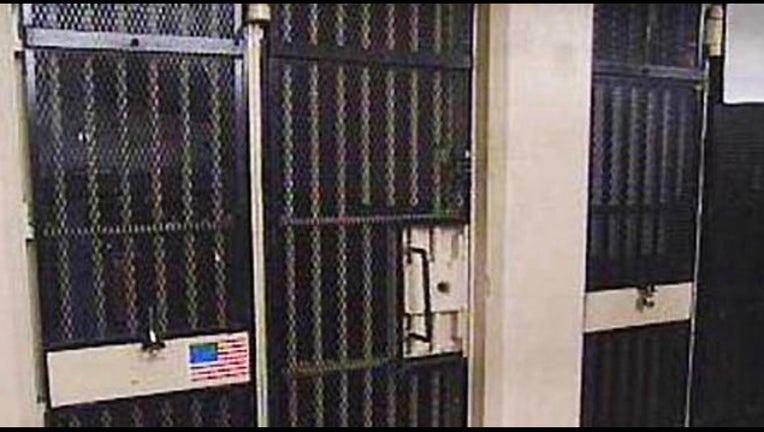 jail_cell_generic_1440794115487.jpg