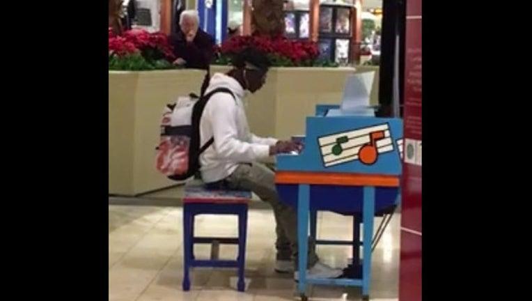 e1e41e70-mall piano_1453839310045.jpg
