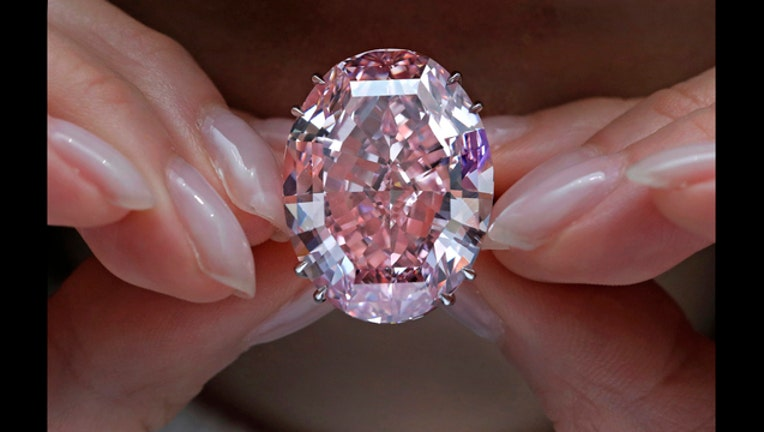 658788d0-Hong Kong Pink Diamond_1491316575892