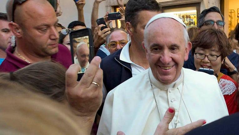 bc0fbd81-APTOPIX Vatican Pope_1441317436962