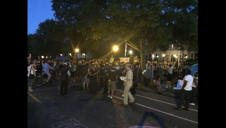 Governor's mansion Philando Castile protest-409162