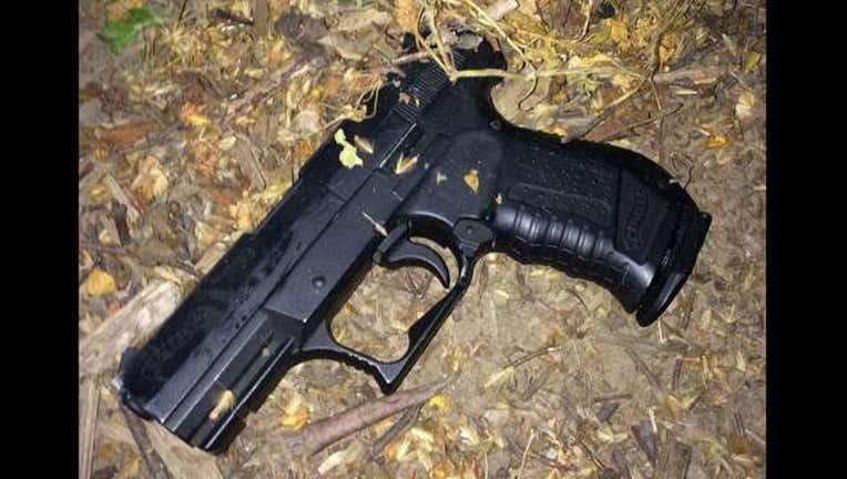a9def9b0-replica gun_1464114299808.jpg