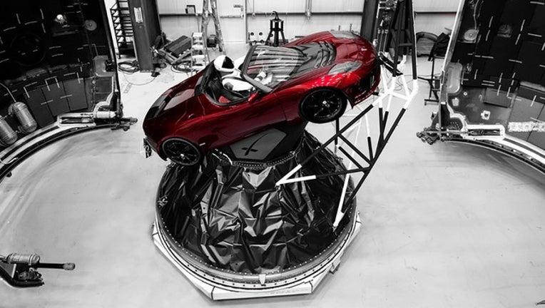 8f221a5b-starman in roadster_1517854366596.jpg-401385.jpg