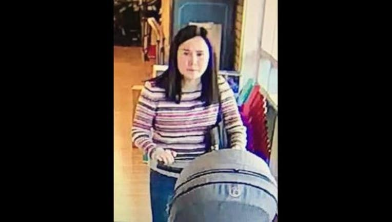 f4426e9d-stroller_stolen_1525798163733.JPG