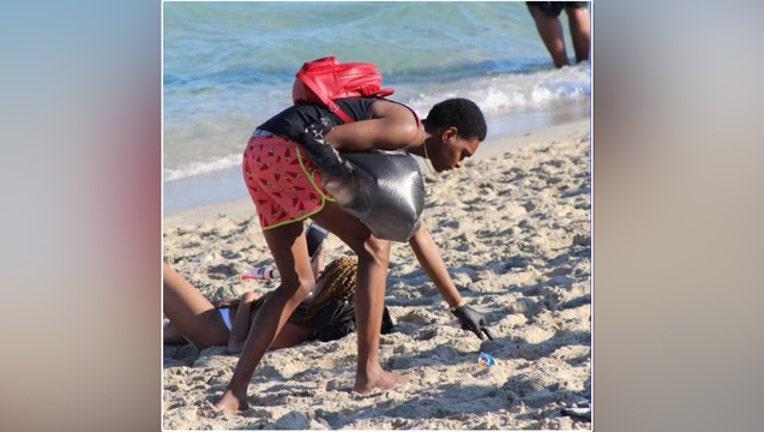 59748b93-wsvn_beach cleanup_032519_1553527626260.jpg-401385.jpg