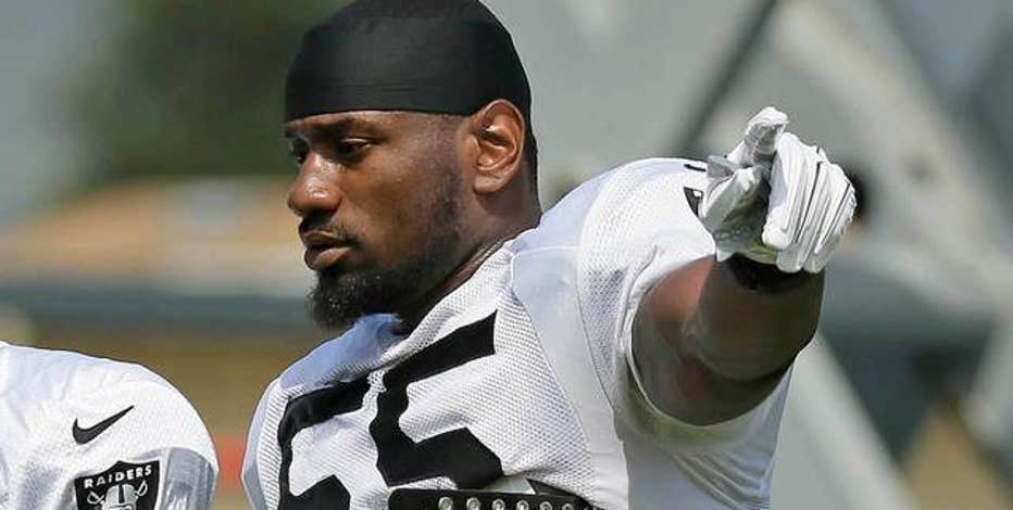 Colts acquire linebacker Sio Moore from Raiders