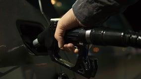 Average U. S. price of gas drops 4 cents per gallon