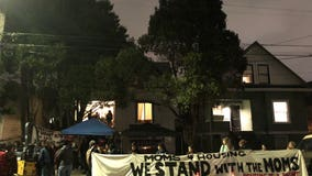 Hundreds rapidly respond to support Oakland's Moms 4 Housing following eviction alert