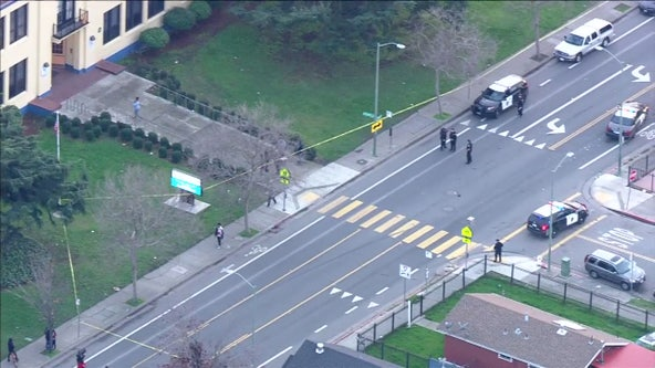 Oakland police searching for suspect vehicle in hit and run
