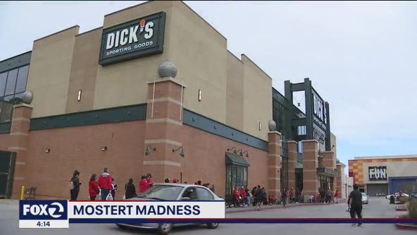 Daly City 49ers fans lineup at Dick's Sporting Goods for 49er Raheem Mostert's autograph