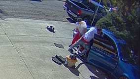 Man washing his car robbed at gunpoint in Oakland's Dimond district