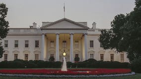 Man carrying knife arrested outside White House after threat
