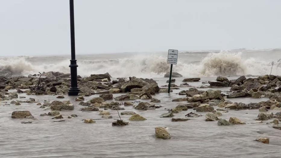 Lake-Michigan-flooding-1.jpg