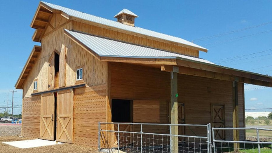 Summit-Barn-Kit-Costco.jpg