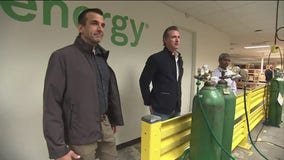 Gov. Newsom, Mayor Liccardo tour Sunnyvale company refurbishing ventilators