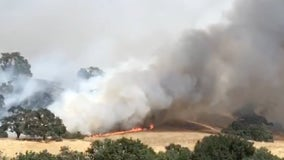 Crews estimate wildfire east of Gilroy at 1,000 acres, evacuations continue