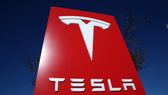Techies, investors, await news of Tesla battery potential