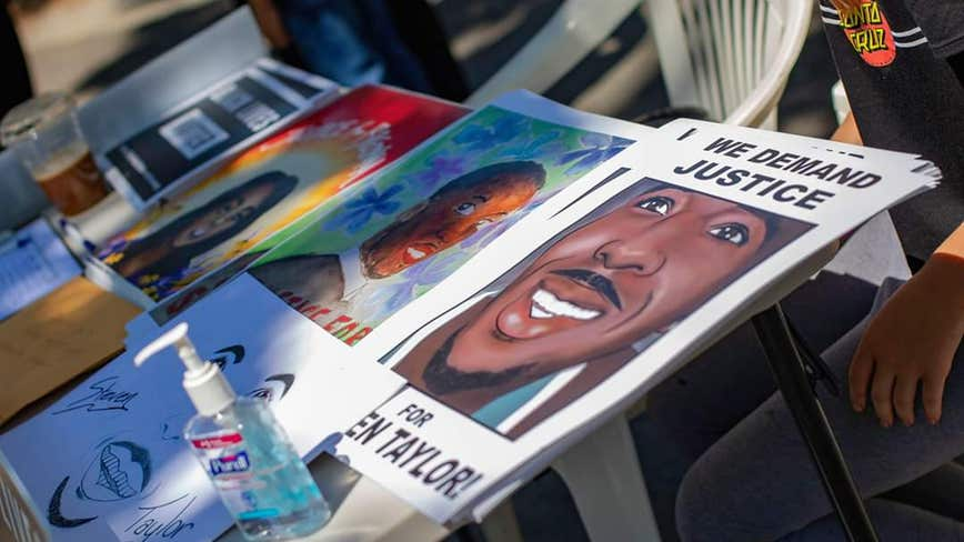 Activists want DA to 'do her job' following death of San Leandro man at Walmart