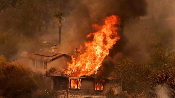 Report: California encourages rebuilding in fire-prone areas