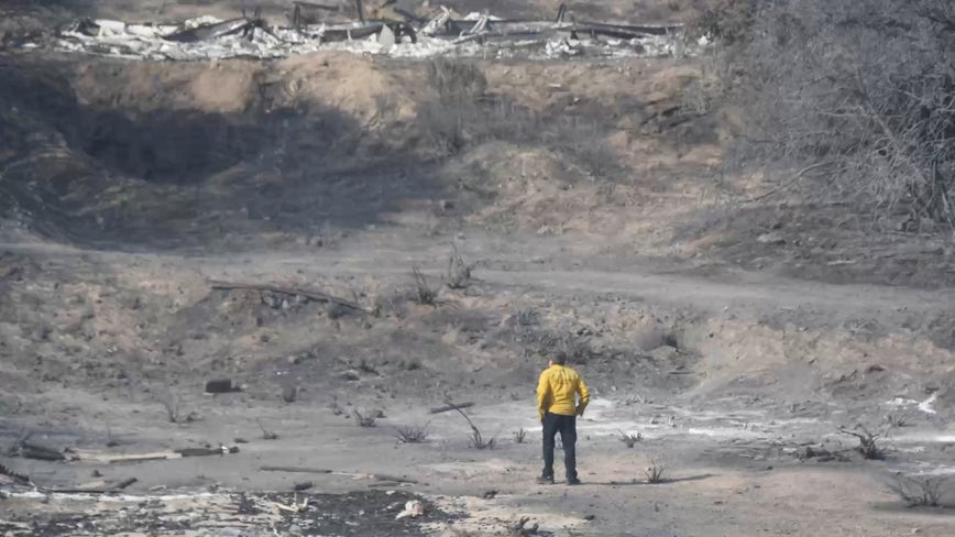 Crews battle wildfires amid brutal heat wave in Southern California