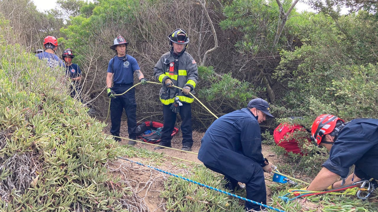 Father, child rescued from Cliff at Fort Funston