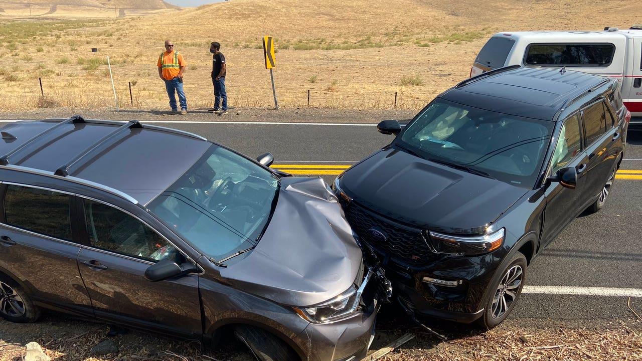 Three hospitalized after 2-car crash near Brentwood