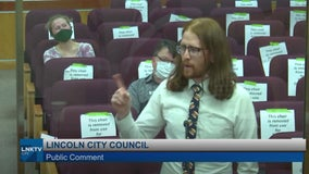 'Living a lie': Man calls for 'boneless chicken wings' to be renamed during city council meeting