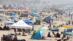 Crowds pack beaches as California bakes in weekend heat wave