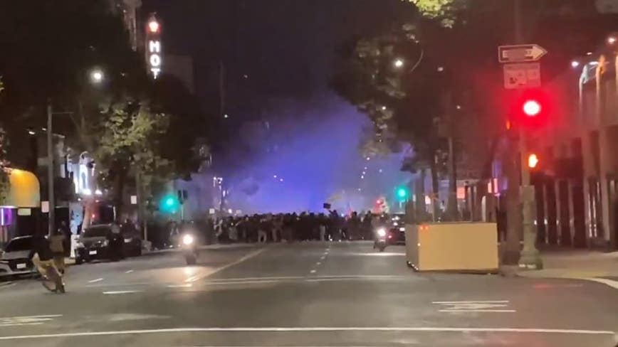 Large group marching through downtown Oakland, BART station closed due to 'civil unrest'