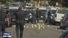 2 dead in East Oakland triple shooting: police