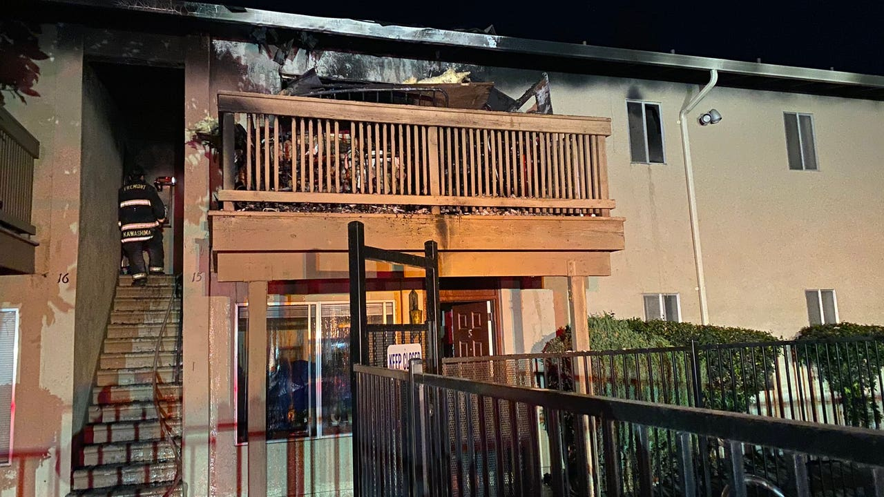Fire at Fremont apartment complex displaces 17 people