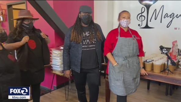 Oakland chefs cook for those in need on Thanksgiving's eve
