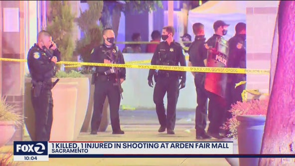 2 killed in Sacramento mall shooting on Black Friday, gunman at large