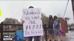 Protests at Menlo Park's Robinhood app after trading halted