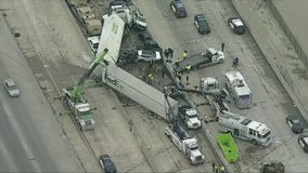 Massive 70-100 vehicle pileup in Fort Worth, Texas