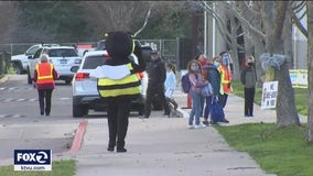 'Over the moon:' For 1st time since pandemic, elementary students in Los Gatos return to school