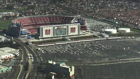 Hundreds await vaccines at Levi's Stadium mass vaccination site
