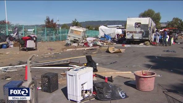 'Oakland looks like a trash can': Neighbors form vigilante patrols to curb crime