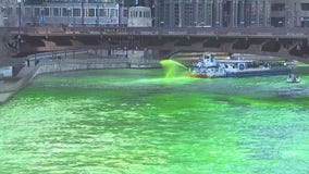 WATCH: City officials dye Chicago River green for St. Patrick's Day