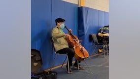 Yo-Yo Ma performs surprise concert at COVID-19 vaccination site